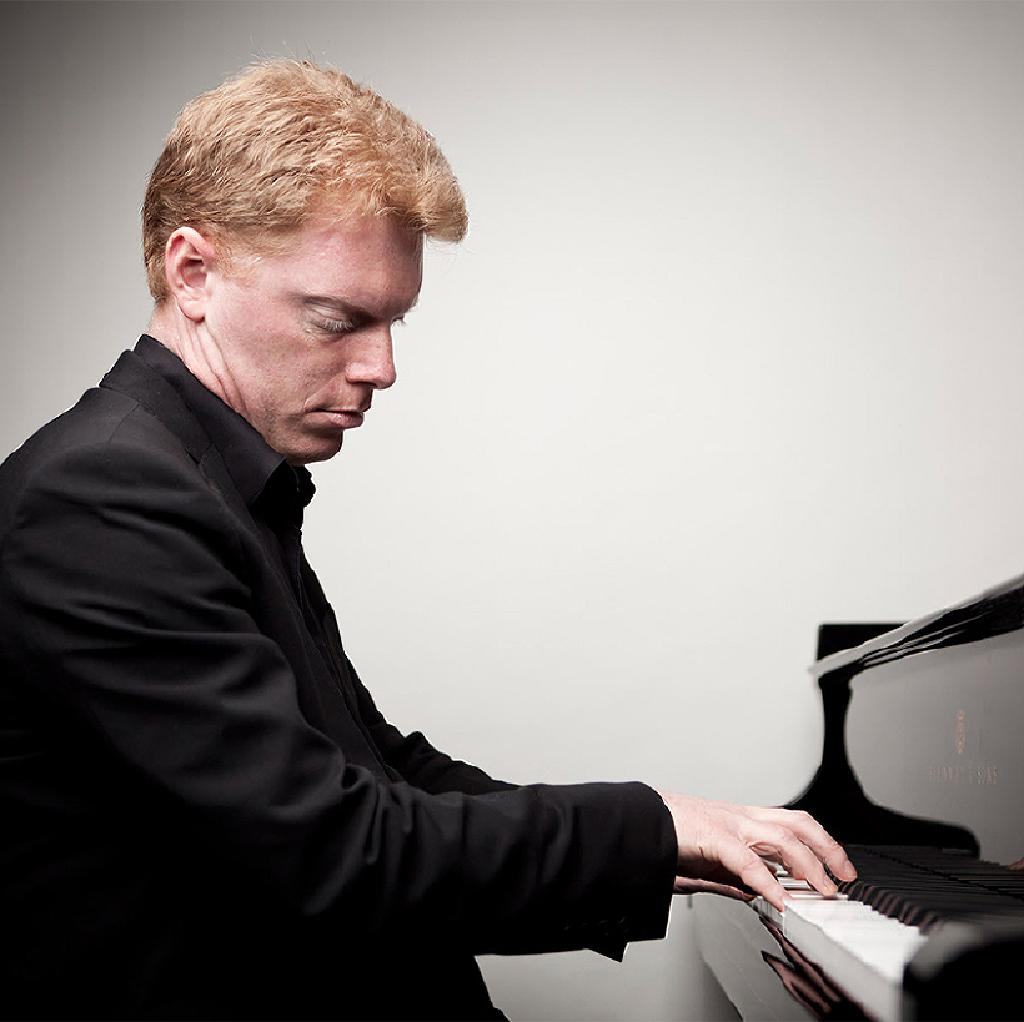 Tim Horton - Piano